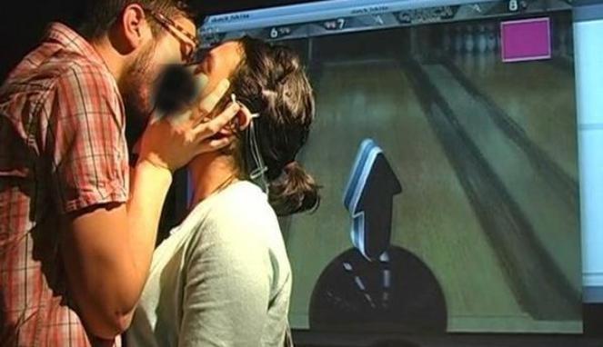 7 Jenis Ciuman yang Tidak Disukai CEWEK [KHUSUS 18+]