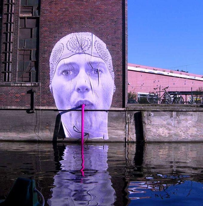 Berlin, Jerman Kamu bisa melihat street art di seluruh berlin. Mentalgassi adalah salah satu kelompok seni di Berlin yang bertanggung jawab pada keindahan street art kota ini.