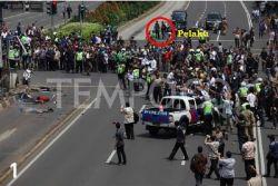 10 FOTO ANALISA Keanehan Aksi Teroris Di Sarinah Jakarta Kemarin