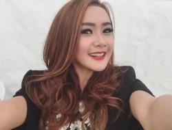 10 Selebriti Indonesia Paling Terkenal Selama 2015 (versi Google Indonesia)