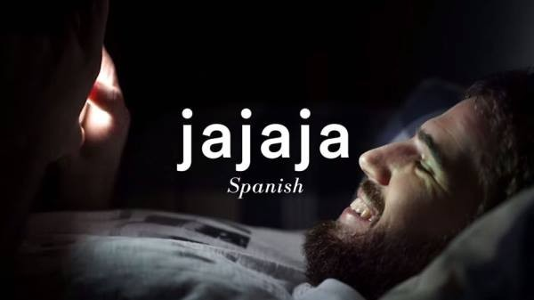 "Dalam bahasa Spanyol, ""j"" dilafalkan mirip ""h"" dalam bahasa Inggris, jadi ""jajaja"" terdengar juga mirip ""hahaha"" dalam bahasa Inggris."
