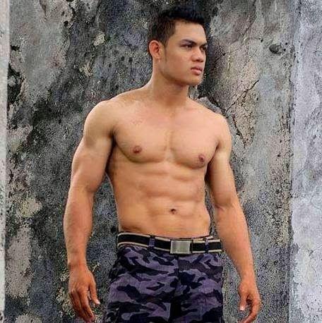 Briptu Haryanto, badannya atletis banget!