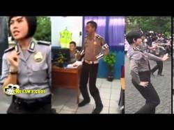 Heboh Video Polisi Joged Sambalado Bikin ketawa Guling-guling