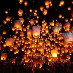 Festival Lampion Indah Ini Di Luar Negeri? Bukan, Ini Di Indonesia!