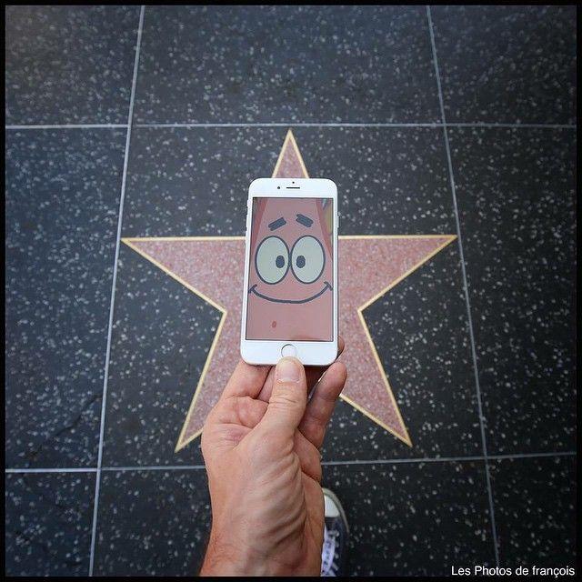 Ada Patrick di jalanan NY. Kurang Spongebob sama Mr. Crabs.