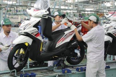 1. Honda BeAT di pabrik