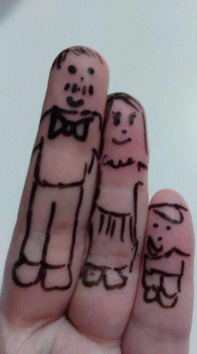 Keluarga kecil bahagia