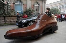 Nah, kalau mobil ini pasangan mobil high heel di awal tadi.
