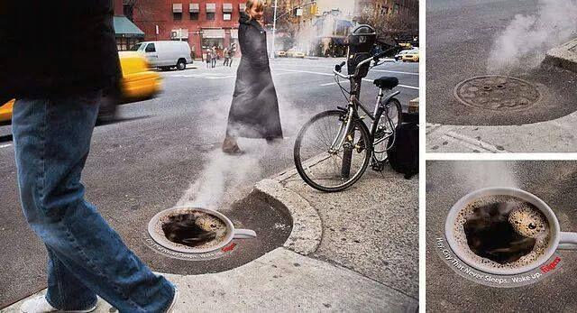 Siapa sangka ruang publik yang rusak justru ditangkap para pembuat iklan menjadi ide yang menarik.