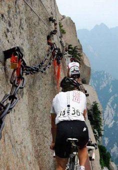 KUMPULAN FOTO Menakjubkan Olahraga Sepeda Ekstrim, WOW!