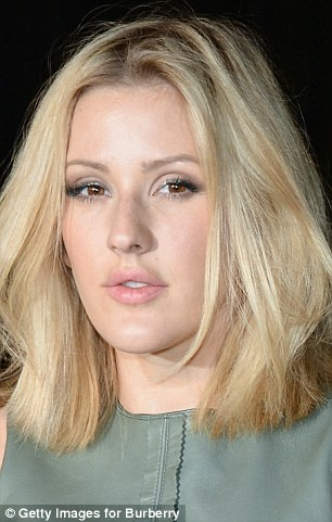 #12 Ellie Goulding Bibir terlihat lebih seksi