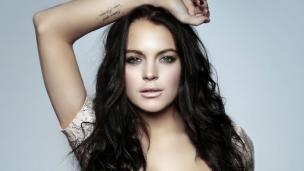 #17 Lindsay Lohan Tangan diletakkan di atas kepala boleh lah untuk menambah variasi gaya