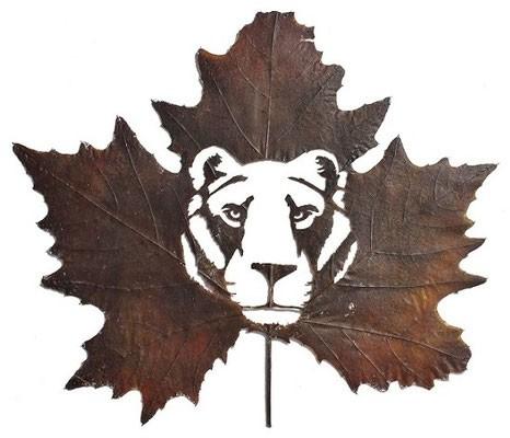 #15 Seekor harimau di dalam daun