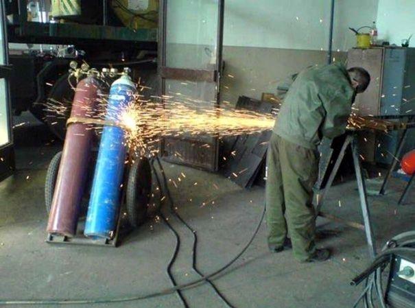 ntar kebakar loh, dan jadinya kebakaran seluruh pabrik..
