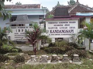 Kandang Sapi adalah desa di kecamatan Jenar, Sragen, Jawa Tengah. Entah kandang sapinya yang besarnya satu desa atau desanya yang hanya sebesar kandang sapi … :)