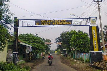"Ada dusun bernama Koplak di Desa Umbul Martani, Kecamatan Ngemplak, Kabupaten Sleman. Konon katanya di dusun tersebut penduduknya banyak yang ""koplak"" :) Jadi, Jangan bicara ""KOPLAK!!!"" sebelum tahu kampung Koplak"