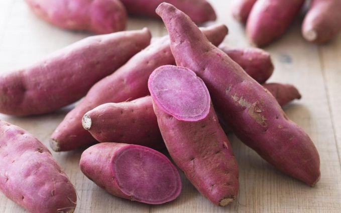 5. Banyak mengonsumsi ubi Menurut penelitian, ubi memiliki kemampuan untuk meningkatkan kesempatan mendapatkan kelahiran kembar. Namun, tidak diketahui berapa banyak ubi yang Anda butuhkan untuk bisa mengandung anak kembar. (Boldsky)