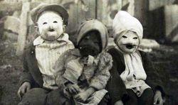 Kostum Hallowen Tahun 1900an