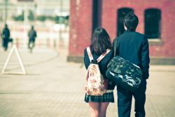 9 Alasan kenapa kamu harus menikahi teman satu SMA