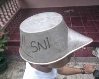 Helm anti tilang, sudah SNI