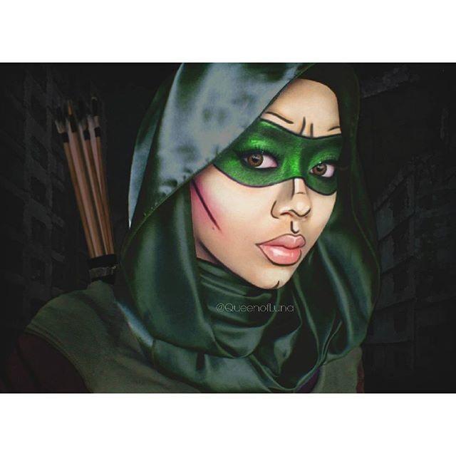 #10 Green Arrow Superhero ini dibuat oleh More Fun Comics karena terinspirasi dari Robin Hood. Ia memiliki kemampuan memanah yang hebat. Ia juga memberantas kejahatan yang ada di sekitarnya, kadang ia juga tampil membantu superhero yang lain. Riasan Saraswati ini dengan tema Green Arrow
