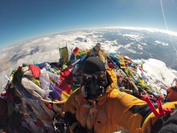 Selfie dari atap dunia..Puncak gunung Everest