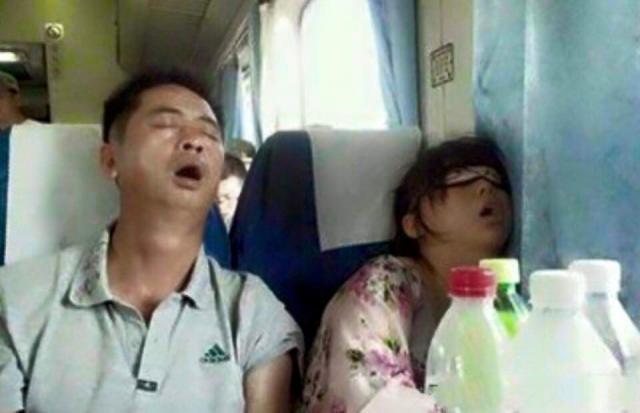 4. Serasi banget ya tidur tidur banreng, mangap mangap bareng, hehe