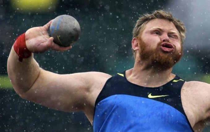 Ini adalah gerakan wajah yang ditangkap pada waktu yang tepat. Kurt Roberts bersaing untuk tembakan menempatkan kompetisi pria untuk memenuhi syarat tim Olimpiade AS untuk 2012.