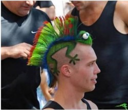 10 Model Rambut Pria Ini Tidak Biasa & Bikin Heboh