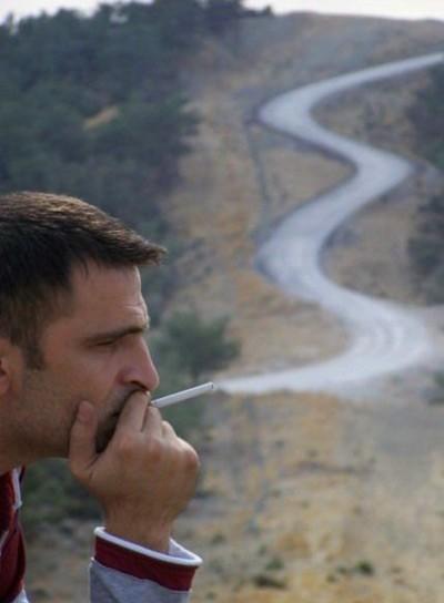 Coba lihat asapnya mirip dengan jalan guys...