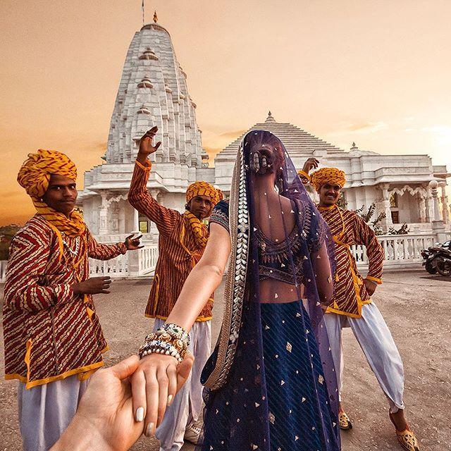 #2 JAIPUR Mereka gembira dan menyukai segala yang berbau dengan India. Pada kali ini mereka tiba di Jaipur dengan menikmati keindahan dan warna-warni di sana.