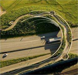 Jembatan-Jembatan Dengan Desain Paling WOW dan Luar Biasa Keren!