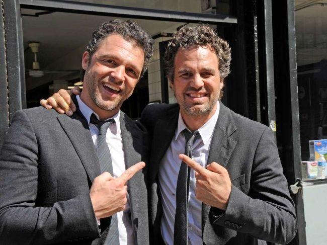 Mark Ruffalo dan stunt-nya Anthony Molinari,Now You See Me.