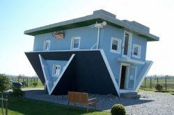 Rumah-Rumah Dengan Desain Yang Nyeleneh Tapi Unik Luar Biasa!