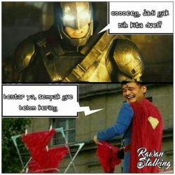 14 MEME LUCU yang Terjadi Saat BATMAN Vs SUPERMAN