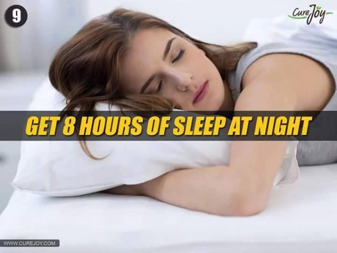 #9 TIDUR 8 JAM DI MALAM HARI Tidur ideal yang harus dilakukan oleh manusia adalah 8 jam, agar dapat merasakan bangun pagi yang segar. Manusia juga perlu beristirahat setelah melakukan aktivitas seharian penuh.