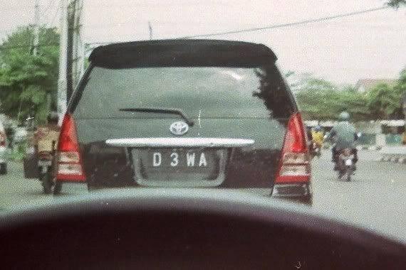 #13 D 3 WA Dibaca dewa. Apakah ini mobil punya mama jahat di serial Uttaran? Demi dewa!!!