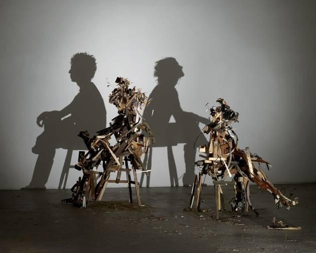 #12 PERUBAHAN HATI YANG LIAR Kayu-kayu dan rongsokan dari perabotan disusun dan dirakit oleh mereka. Bahkan menghasilkan seorang pria dan wanita sedang duduk di atas kursi. Bagaimana PULSKER? Takjub dengan apa yang dibuat oleh kedua seniman ini yang jauh dari perkiraan kan? Terima kasih Pulsker sudah membaca. Semoga bermanfaat dan menambah wawasan.