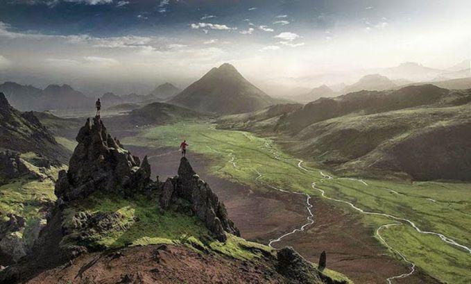 Gunung Glorious Islandia adalah rumah bagi pendaki yang ingin menghabiskan seumur hidupnya untuk mendaki. Kamu bisa mendaki gunung untuk menikmati pemandangan dari atas puncak atau sekedar berjalan di lereng dan melihat pemandangan puncak-puncak yang fantastis.