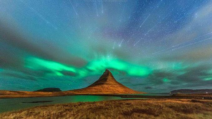 Cahaya Utara Kamu bisa melihat cahaya utara yang fantastis, atau aurora borealis di Islandia. Waktu terbaik untuk melihat sensasi alam pada bulan September dan Oktober atau Maret dan April, ketika paling fenomena alam fantastis ini sering terjadi.