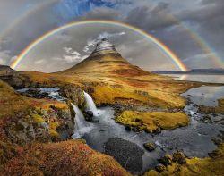 14 Alasan Mengapa Kamu Harus Memilih Islandia Saat Berlibur ke Luar Negeri