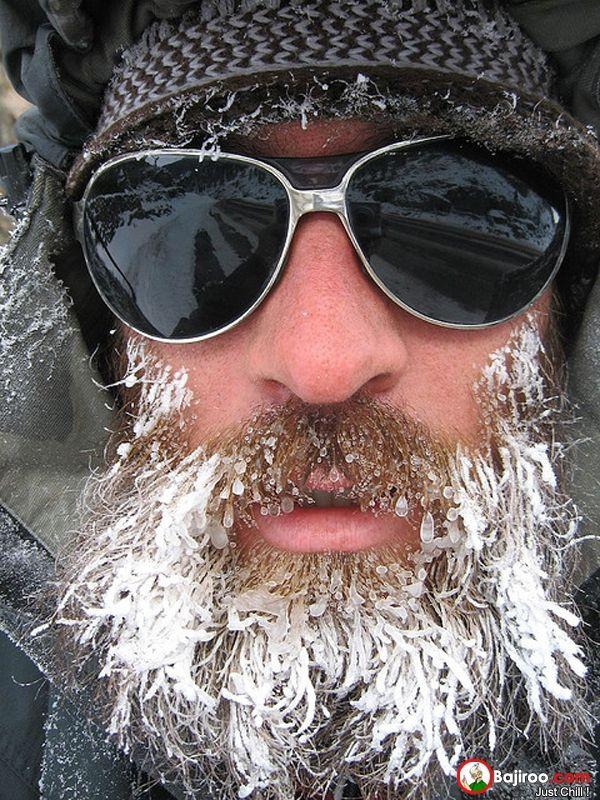 mungkin fungsi atau kegunaan dari jenggot selain buat penampilan yang keren juga bisa menghalau dingin!