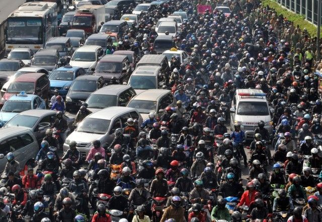nah gaes, perkenalkan, kemacetan paling parah di jakarta... duh ampek begitu yak