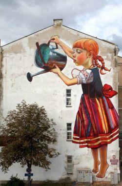 Ketika Seni Mengambar Di Jalanan Dipadukan Dengan Benda Sekitar, Menakjubkan!