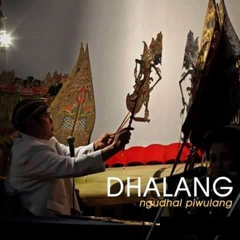 #8 DHALANG Ngundang piwulang = memberikan pelajaran. Dhalang adalah sebuah profesi seni dalam suku Jawa terutama dalam membawakan cerita pewayangan. Di dalam ceritanya, dhalang menyelipkan beberapa pelajaran yang baik kepada penontonnya.