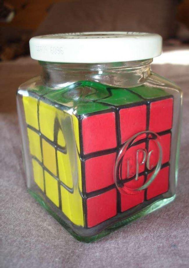 Kalian tahu permainan asah otak ini kan? Ada yang tahu nggak kenapa mainan ini ada di dalam sebuah toples??