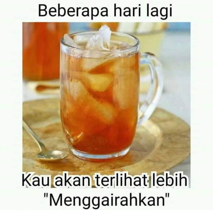 Bulan Ramadhan adalah saat dimana es teh terlihat begitu menggoda dibandingkan dengan hari biasa. Bener nggak?