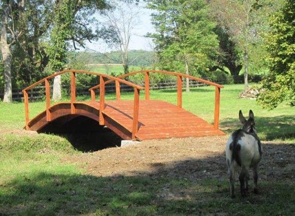 kalo taman kalian lumayan luas, ukuran jembatannya juga bisa diperbesar..