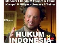 Hukum indonesia paling sulit dipelajari. Soalnya teori dgn praktek selalu beda.