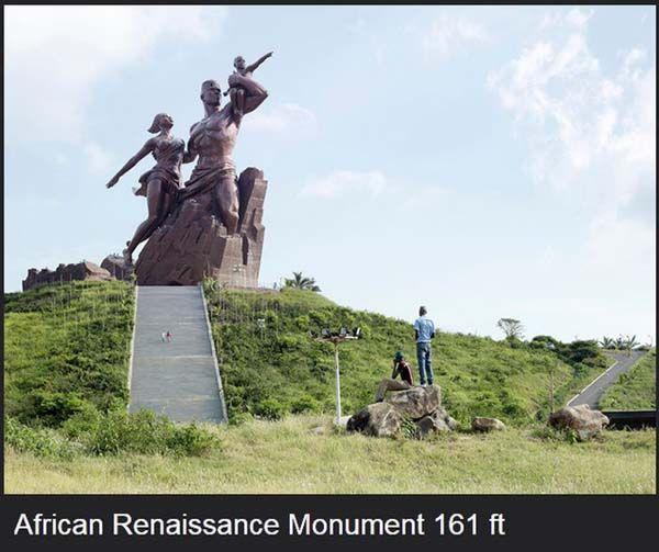 kalo ini adalah patung yayng menunjukkan peristiwa penting pembebasan orang afrika..